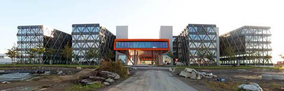 <br>При проектирования здания нашли применение лучшие знания и идеи, что позволило компании выразить свою индивидуальность. <br><br>