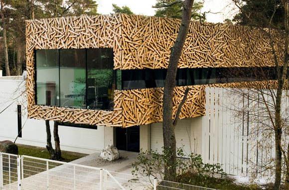 <br>Architects:<b> Arhitektid Muru&Pere</b><br> Location:<b> Suurupi village, Estonia</b><br> Project Team: <b>Urmas Muru, Peeter Pere, Anna -Maria Erik</b><br> Interior Design:<b> Kaido Kivi</b><br> Site Area: <b>1,264 sqm</b><br> Project Area: <b>320 sqm</b><br> Project Year: <b>2006-2009</b><br> Photographs: <b>Tarvo Varres</b><br><br>
