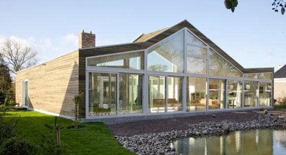Архитекторы: WHIM Architecture<br>Месторасположение: Нидерланды<br>Площадь участка: 1751 кв.м.<br>Площадь здания: 267 кв.м.<br>Проект: 2009-2010<br>Фотографии: Sylvia Alonso<br>