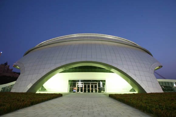 One of Dalian's key high-end construction projects is the new Shell Museum. With more than 5,000 kinds of precious shells from all over the world on display inside, the building's exterior has created quite a stir.