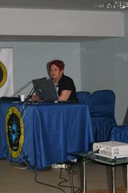 Dilay Guney,преподаватель Beykent University, рассказывает про территорию для Workshop.